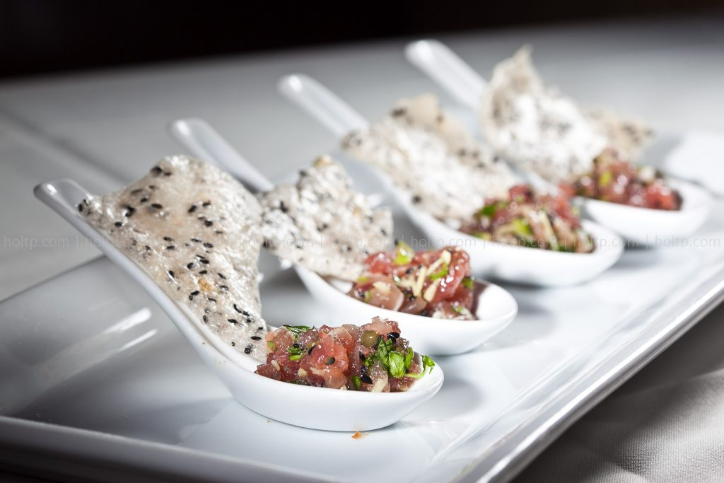 Appetizer Tuna with Rice Cracker