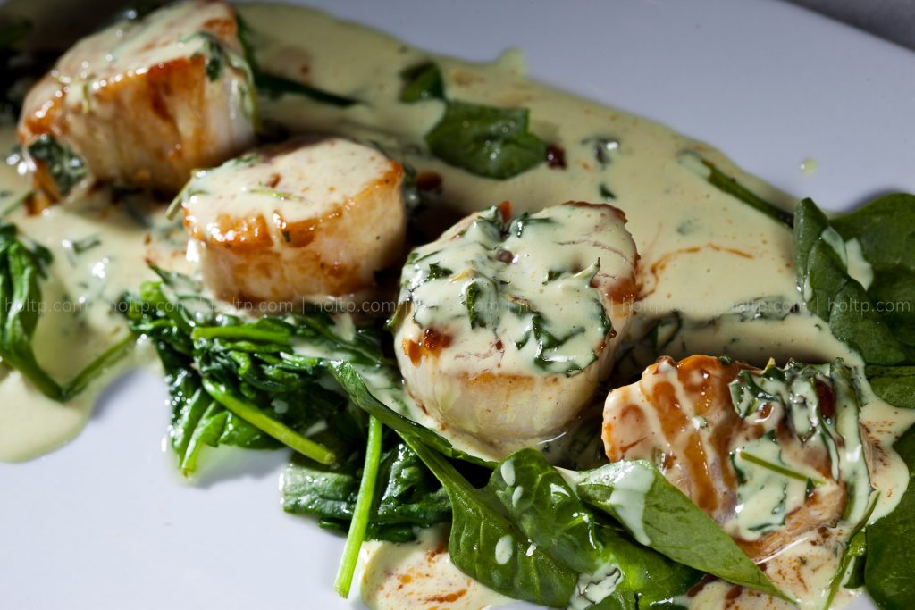 Curry Sea Scallops with Spinach